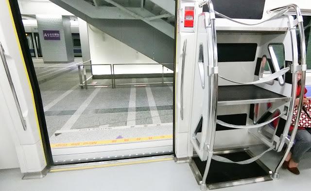 車內放置行李處3