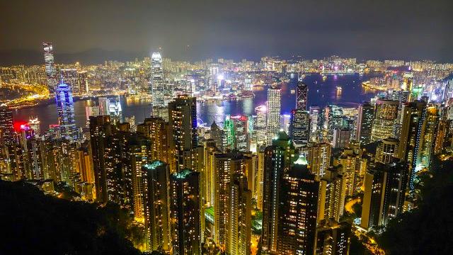 4-things-must-experience-hongkong_victoriapeak-e1498207132445